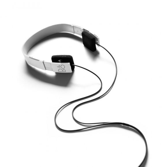 bang olufsen form 2 headphones headphones at vision living. Black Bedroom Furniture Sets. Home Design Ideas